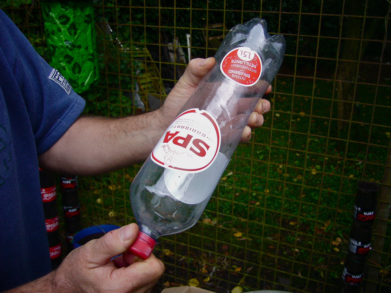 plantas para jardim vertical de garrafa pet:Plantas, Reciclagem e Artesanato: Jardim Vertical com garrafas Pet..